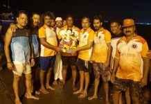 khar danda ganesh mandal youth did free ganesh visarjan