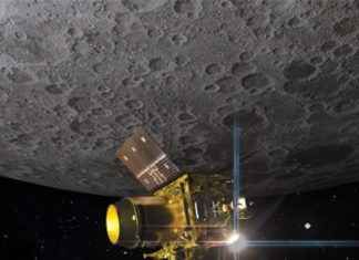 deep-space antennas sending hello messages to 'motionless' vikram
