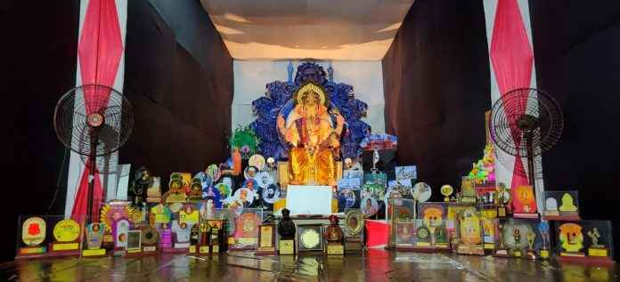 this ganesh mandal decoration highlights the importance of youth initiative for the country