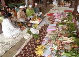 'Lakshmi Pujan' celebrate in navi mumbai APMC Market