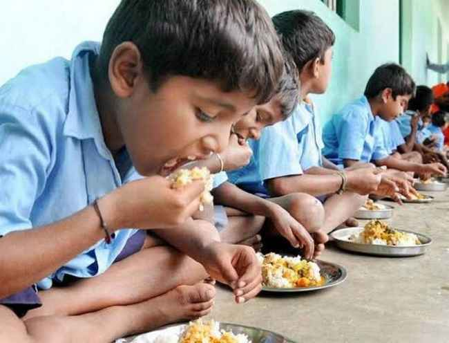 Mumbai kids eat Indian food for breakfast 1