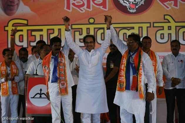 Uddhav Thackeray present for campaigning in Dindori, Surgana 14