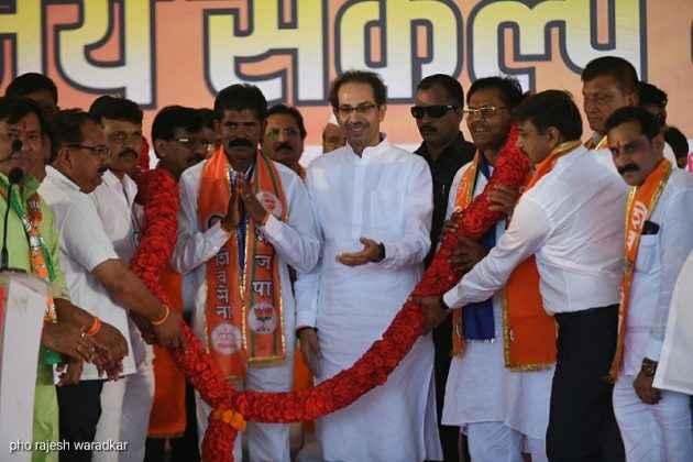 Uddhav Thackeray present for campaigning in Dindori, Surgana 18