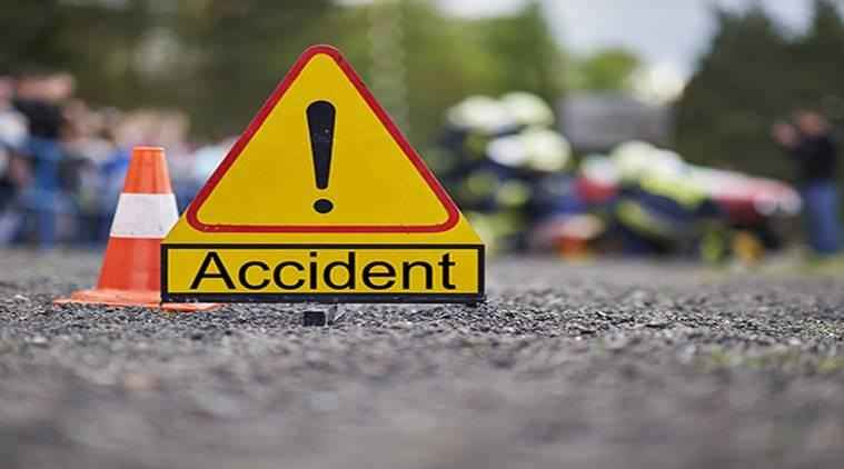 migranant workers bus accident at wardha three injured