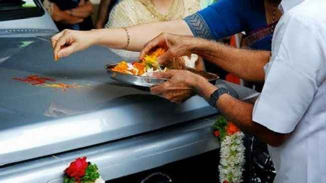 mumbai enthusiasm vehicle buying slowed akshay tritiya