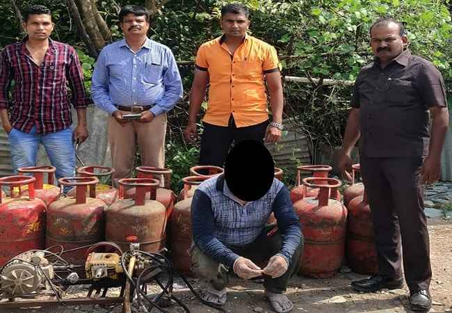 nashik police one arrested for gas theft in cylinder