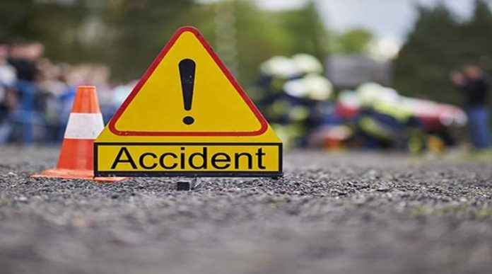 two youth killed in bike accident at kalyan-karjat highway