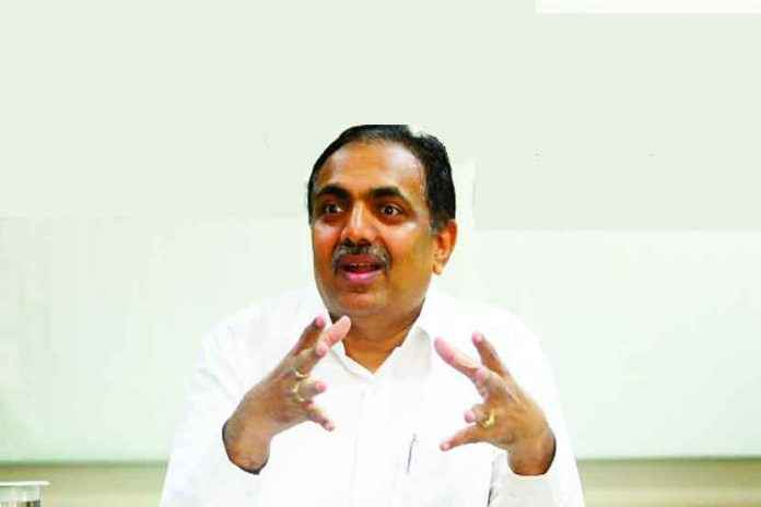 ncp state president jayant patil says 15 to 20 mlas touch ncp