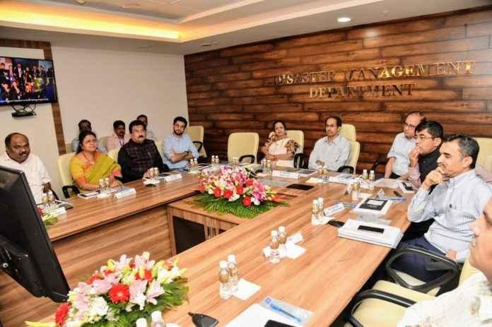 cm uddhav thackeray meeting in bmc head office