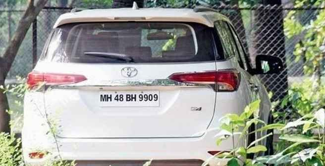 shiv sena mps car crushed driver was arrested
