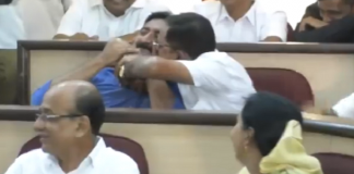 kolhapur corporator kissed opposition party corporator