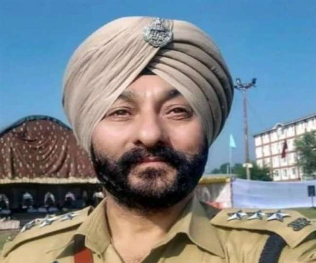 police officer named devinder singh arrested-for helping terrorists in kashmir
