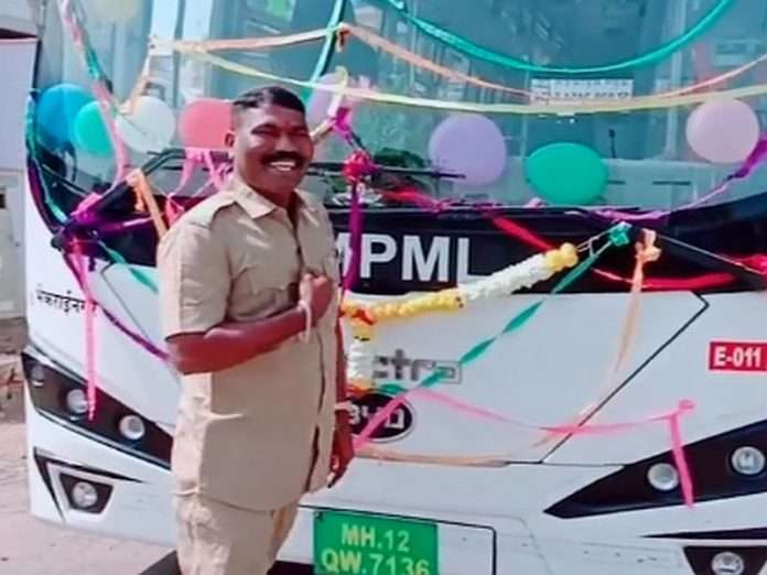 one bus driver has been suspended for tiktok video in pune