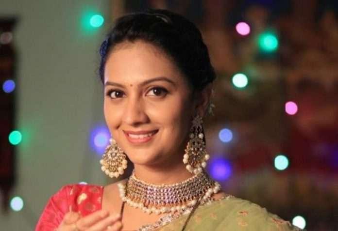 asavari and abhijeet raje wedding in aag bai sasubai serial on zee marathi