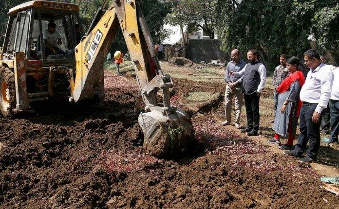 An action against on sewage vegetables at thane