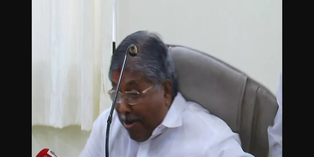 chair breaks down at press conference and chandrakant patil falls down in solapur press conference
