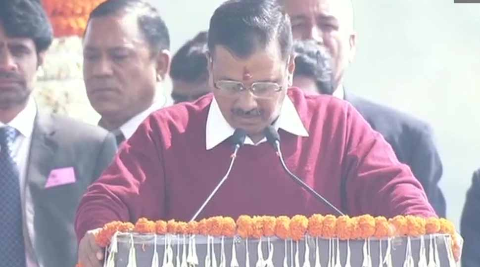 arvind kejriwal took oath as chief minister of delhi