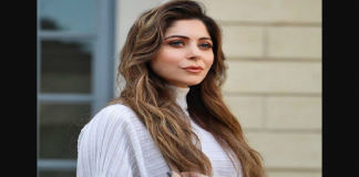 bollywood singer kanika kapoor shares photo with mom and dad having tea after surviving from coronavirus