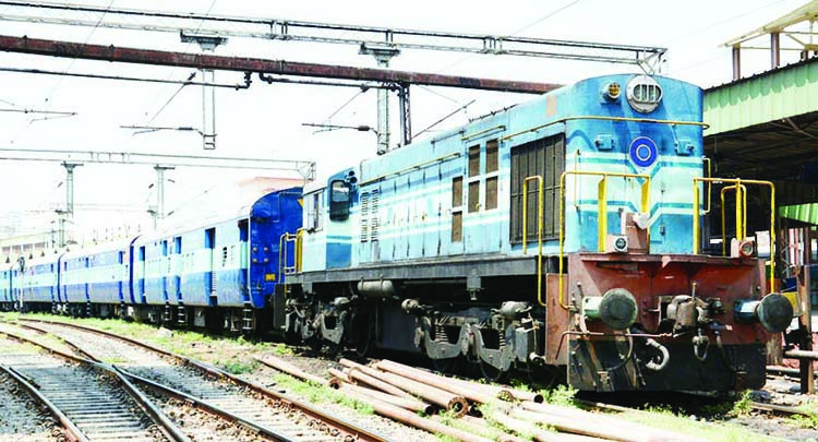 Online booking of train tickets starts from 10 am on 21st May