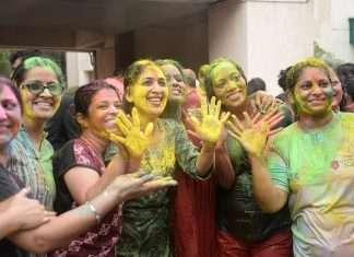 holi celebration photos in navi mumbai