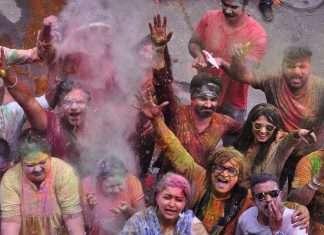 marathi celebrities celebrate holi in thane