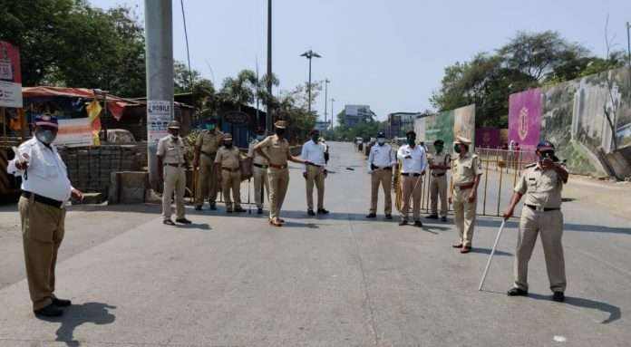 road safety teachers helps police