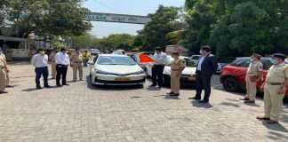 free taxi service of mahindra and uber for mumbaikar