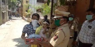 Kalyan police celebrated little girl's birthday