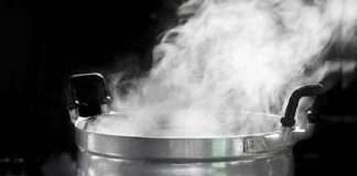do you know why it is harmful to reboil drinking water to health in hindi excess warm water during covid 19 is harmful