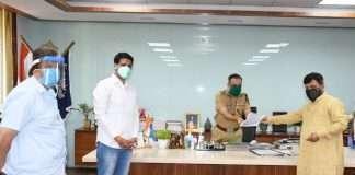 niranjan davkhare give letter to thane police commissioner