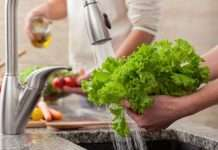 wash vegetables before eating