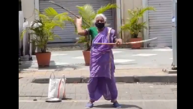 Pune cp praises old women who are showing her skill on road