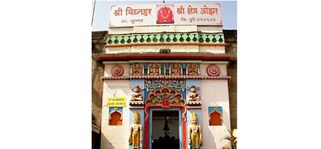 robbery at ozar ganesh temple in pune