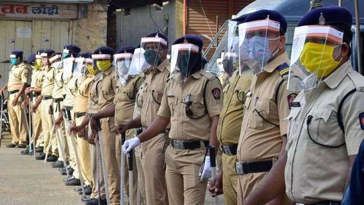 Today 211 police infected by corona in maharashtra also 93 police died