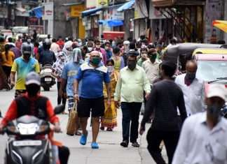 Aishi ki taishi on the first day of restrictions in Thane