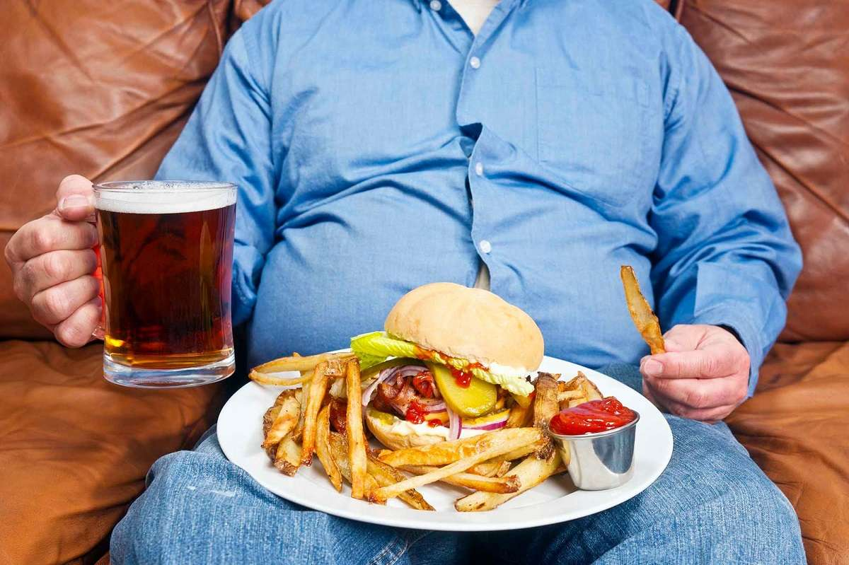 overeating junk food risk covid 19