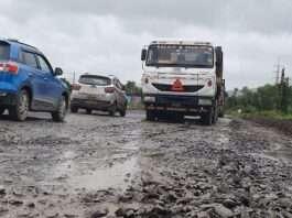 Mumbai goa expressway is become very dangerous in monsoon