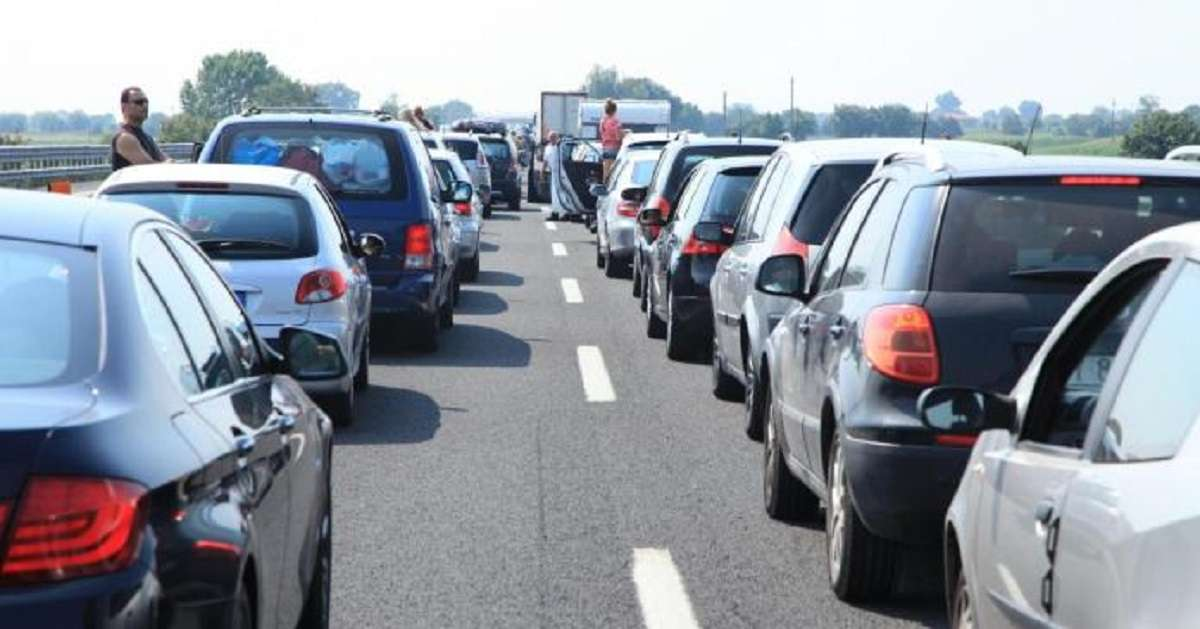 traffic jam in mumbai goa highway
