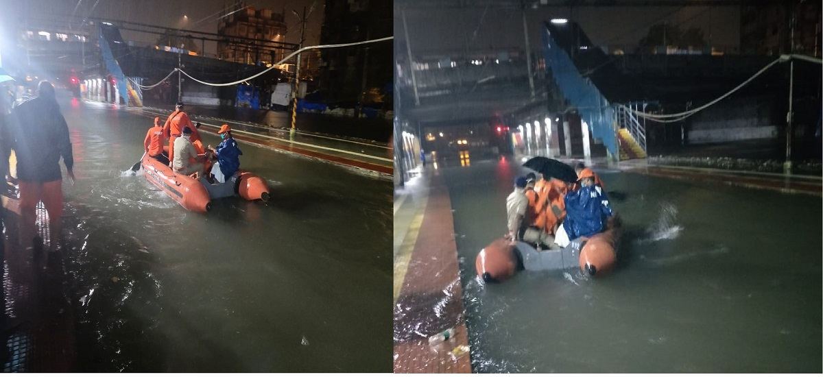 2 local trains are stuck between Masjid and Bhaykhala station in Mumbai due to water on tracks