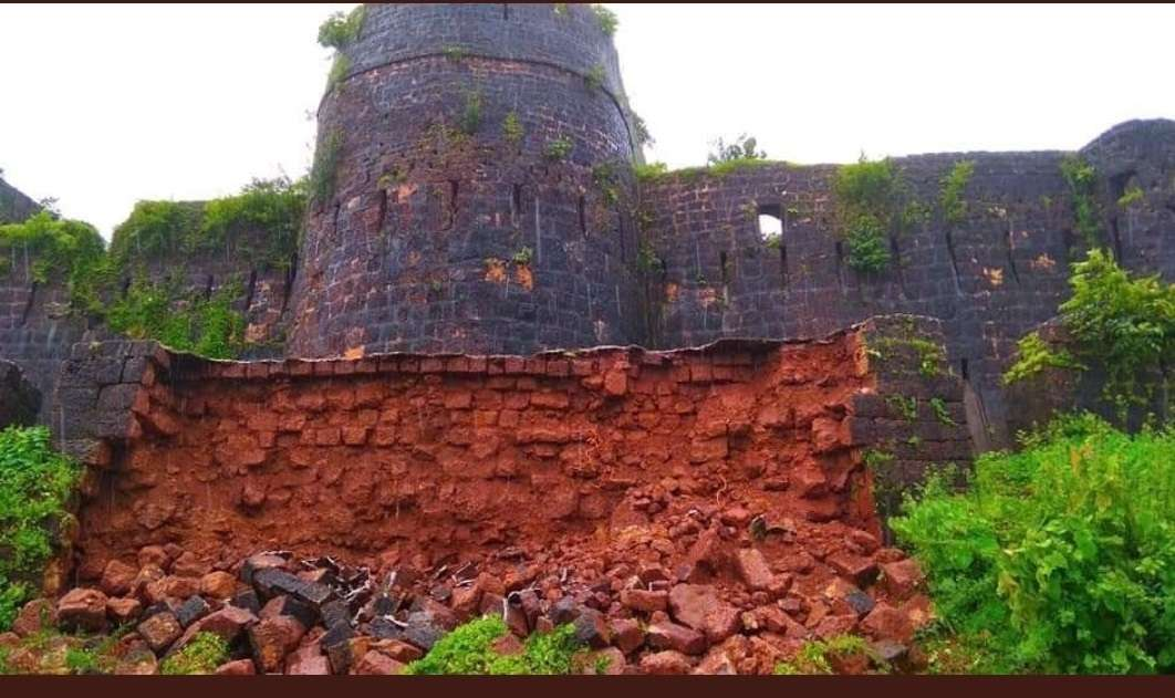 the second armored wall of the historic vijaydurg fort in devgad collapsed