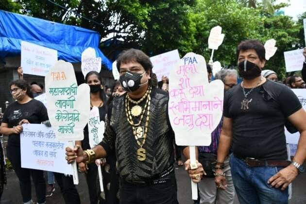Artists demand financial help from the government