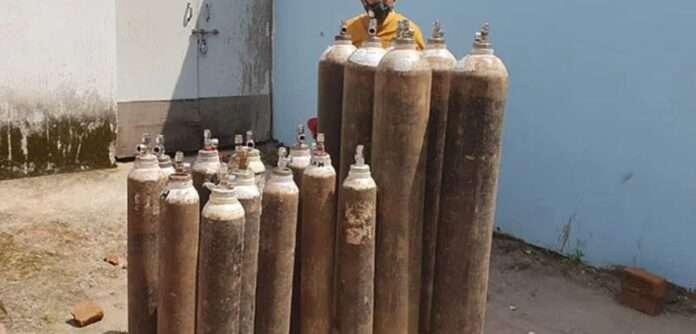 Oxygen black market, 62 cylinders seized from Nagpur Road