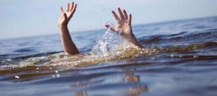 mother dies while rescuing drowning son in sangli