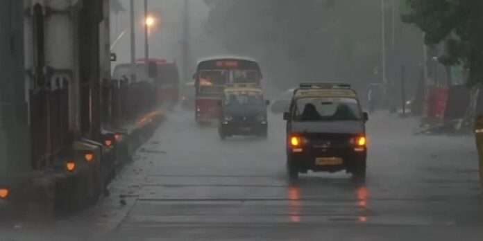 heavy rain lashesh in mumbai
