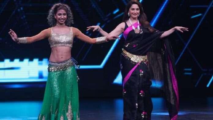 bollywood actress madhuri dixit belly dance in black saree actress throwback video hits on social media