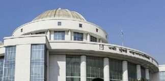Municipal Corporation turns bulldozer on unauthorized building in the Kopari