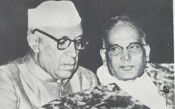 Jawaharlal_Nehru_with_Jayaprakash_Narayan
