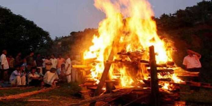 Mother's Dead Body set on fire without a corpse