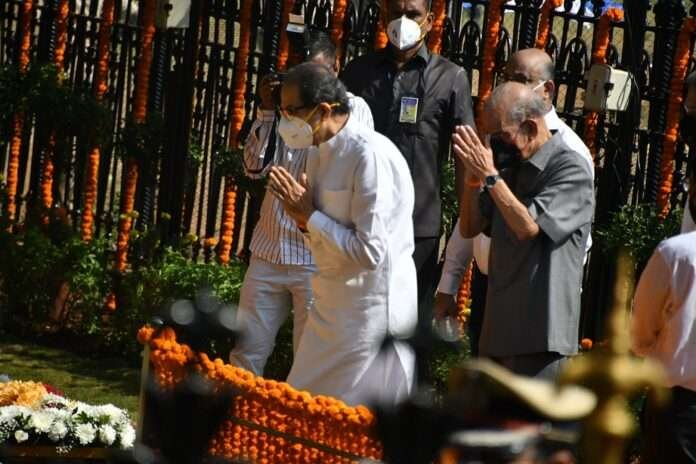 cm uddhav thackeray pays tribute to balasaheb thackeray
