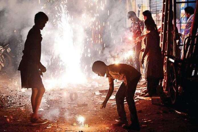 woman dies after clash between son and other man over crackers